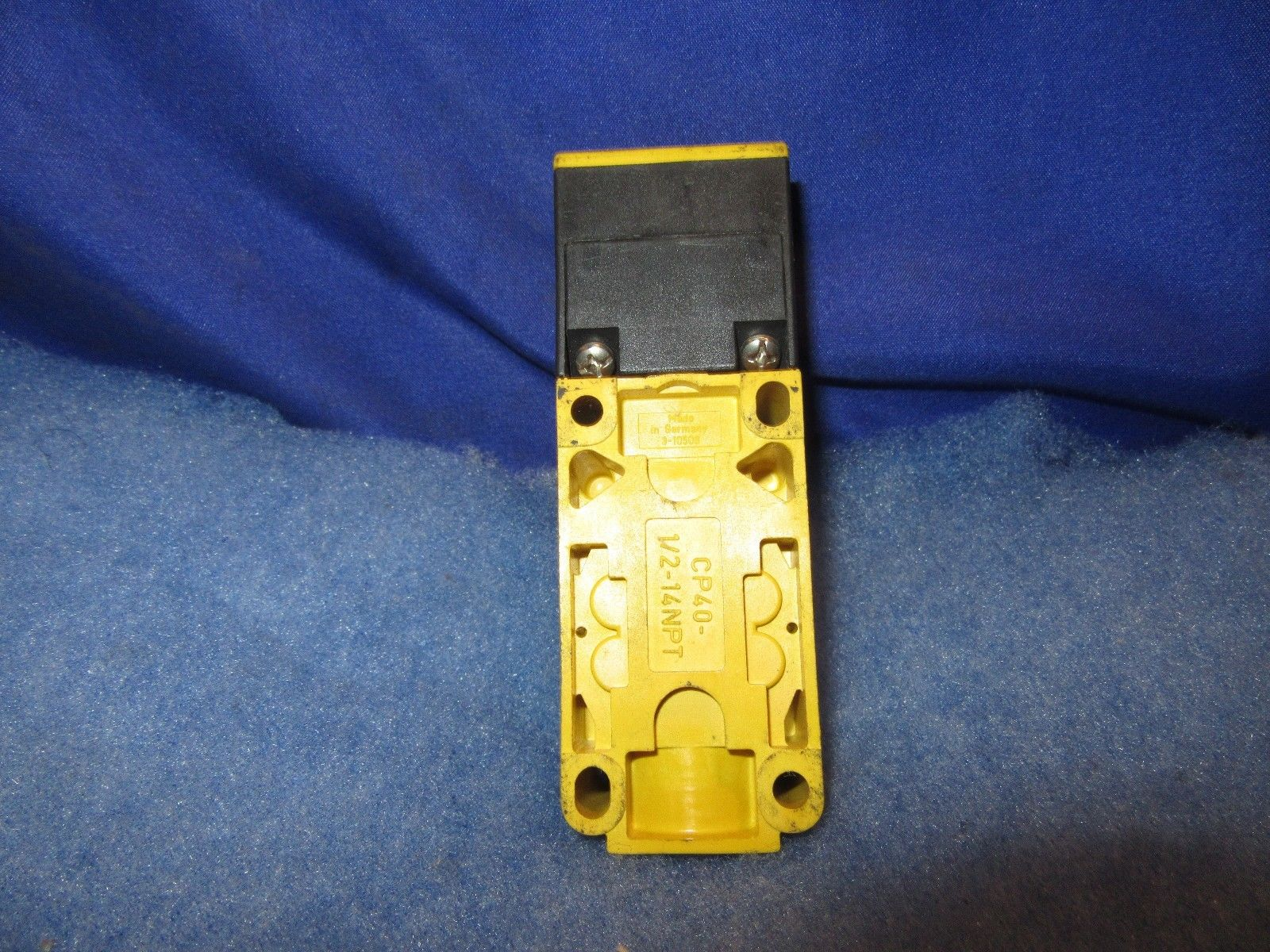 NEW TURCK ELEKTRONIK BI15-CP40-FDZ30X2//S34  Proximity Sensor 2 year warranty.